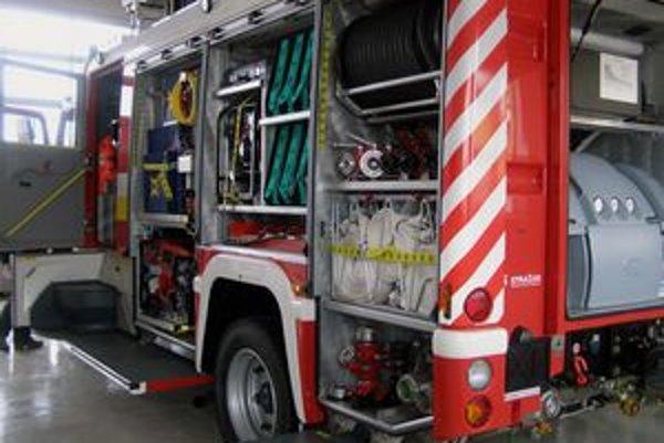 Špeciálne hasičské auto má slúžiť aj pri prípadných zásahoch v tuneli.