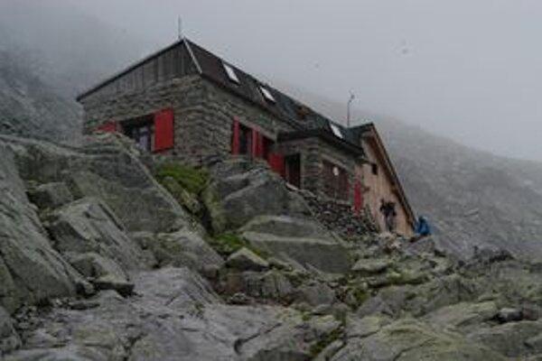 Chata pod Rysmi bude počas zimnej uzávery pre turistov neprístupná.