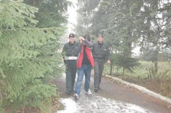 Zadržaného Jána z Vranova polícia predviedla včera popoludní na výsluch.