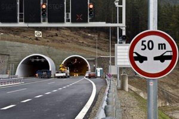 Nový tunel Bôrik a úsek diaľnice odľahčí najmä kritický úsek hlavného ťahu v meste Svit.