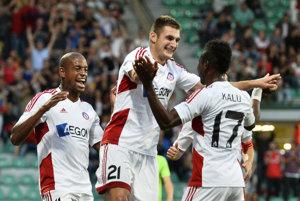 V drese Trenčíne nastúpil aj Matúš Bero (v strede) a v Žiline strelil gól.
