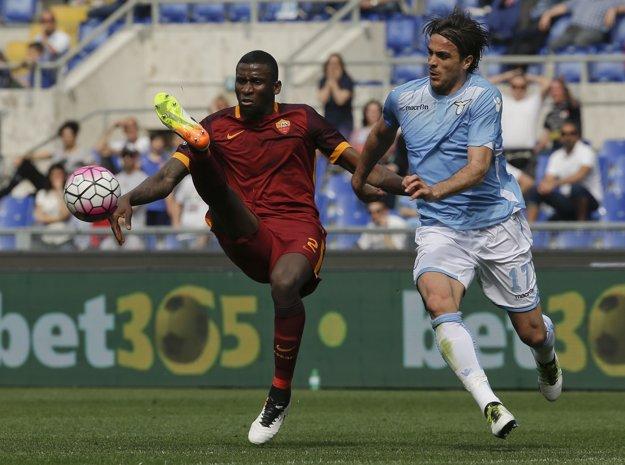 Lazio sa v počte titulov môže vyrovnať mestskému rivalovi z AS.