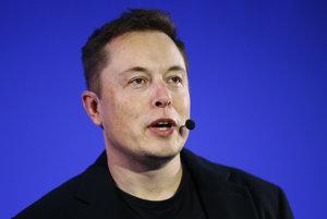 Elon Musk hovorí o plánoch Tesly.
