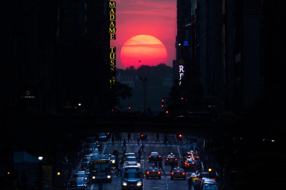 Manhattanhenge.