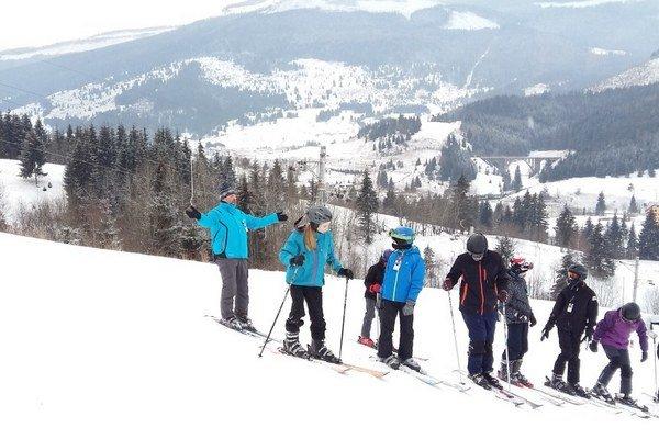Žiaci zo ZŠ Hronské Kľačany absolvovali lyžiarsky kurz v Telgárte.