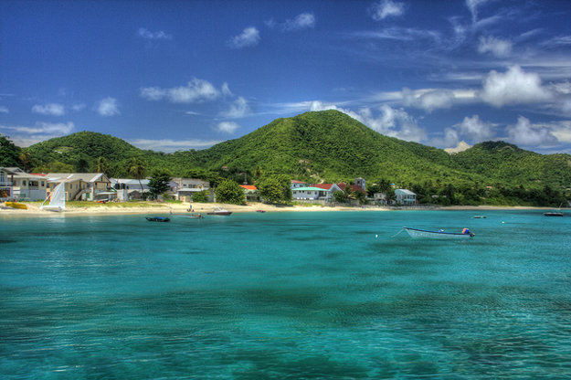 Grenadu volajú aj ostrov korenia.