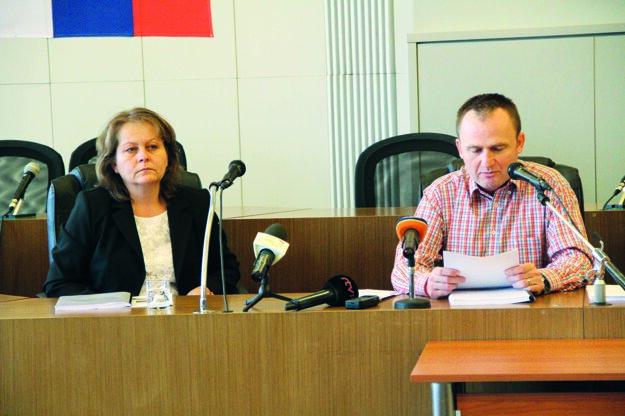Konateľka spoločnosti Iveta Michalíková sprimátorom Paškom.