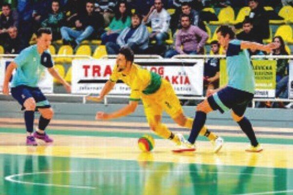 Záber zo zápasu Levice – Nitra 3:4.