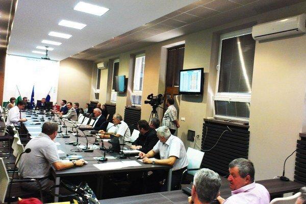 Rokovaciu sálu zriadili špeciálne pre mestské zastupiteľstvo.