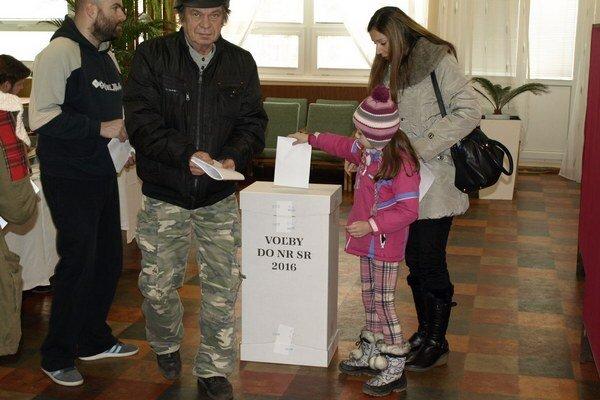 Volebný okrsok č. 11 v Nových Zámkoch