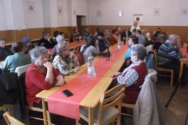 V Nitrianskom Hrádku bolo ocenených 5 darcov krvi.