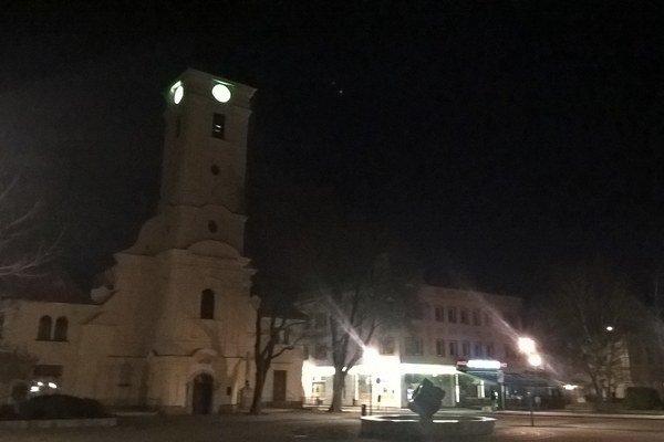 Kostol po vypnutí osvetlenia