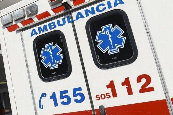 Vodič osobného auta utrpel vážne zranenia. (ilustračná snímka)