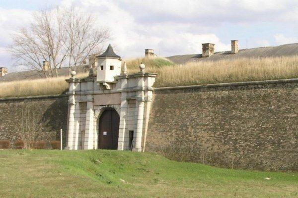 Nováčik súťaže - Pevnosť v Komárne - je zatiaľ na treťom mieste.