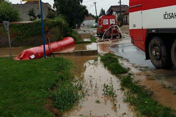 Záplavy v Cíferi patrili k najväčším vlaňajším zásahom.