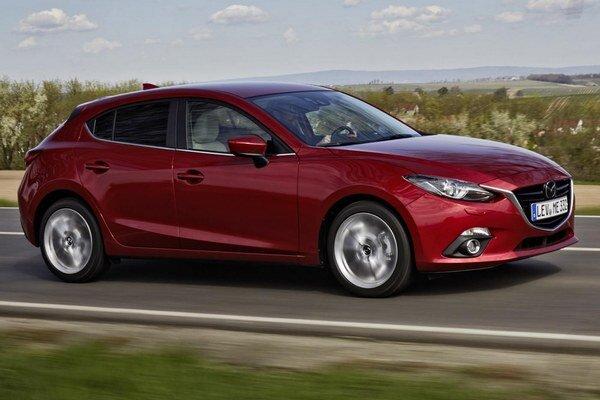 Mazda3 dostane nový motor. Nový 1,5-litrový turbodieselový motor má maximálny výkon 77 kW a v kombinácii s manuálnou prevodovkou je jeho priemerná spotreba 3,8 l/100 km.