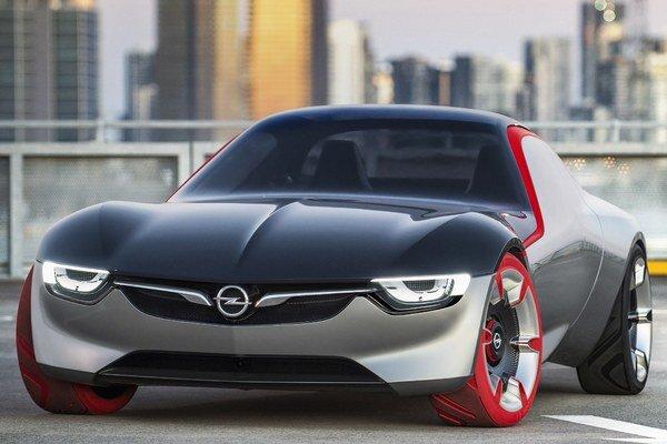 Štúdia Opel GT Concept. Štúdia svojimi tvarmi i technickou koncepciou nadväzuje na malý športový automobil GT, uvedený na trh v roku 1968.