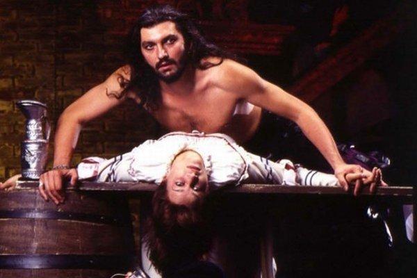 Dracula pred 20 rokmi. Mladého a štíhleho Daniela Hůlku katapultoval na výslnie.
