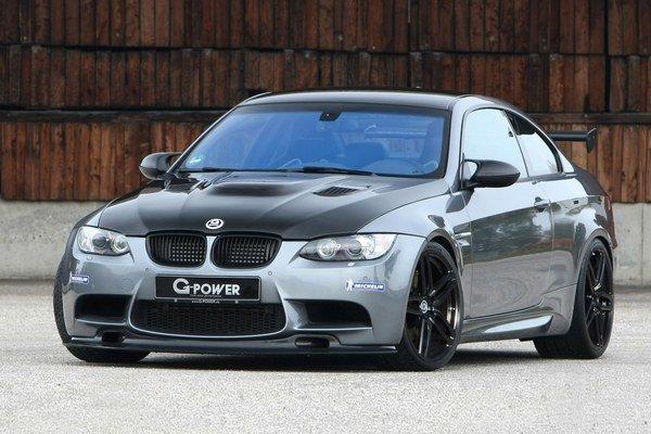 BMW M3 v úprave firmy G-Power. Na pohon upraveného modelu M3 slúži osemvalcový vidlicový motor s maximálnym výkonom 544 kW.