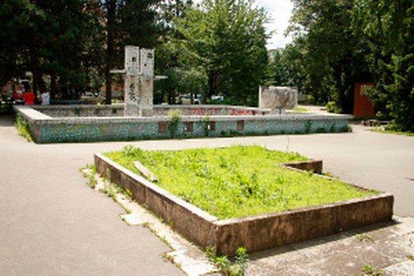 Rekonštrukcia sa zameriava na park, ale aj súsošie vierozvestcov.