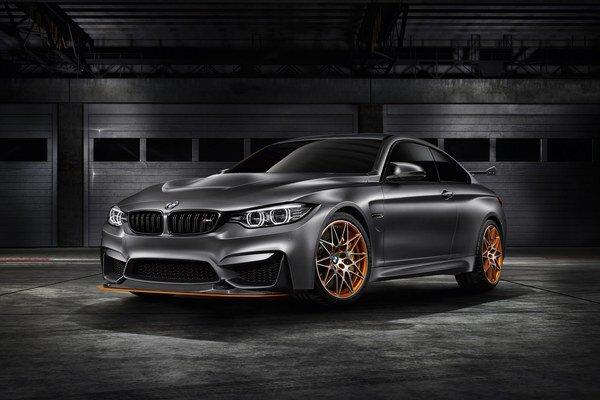 Koncepčné kupé BMW M4 GTS. Podtext. Kupé, predstavené v kalifornskom Pebble Beach, poháňa motor, vystrojený systémom vstrekovania vodnej hmly do nasávacieho traktu.