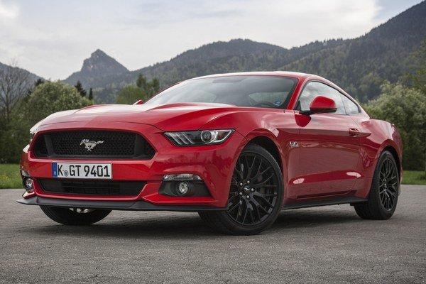 Americká ikona Ford Mustang. Podľa agentúry IHS Automotive bol Mustang v prvom polroku najpredávanejším športovým automobilom na svete.