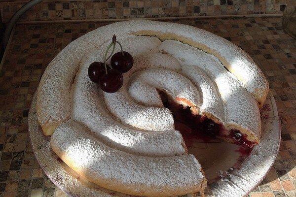 Višňový koláč po rusky