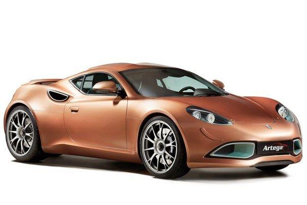 Športový elektromobil Artega Scalo. Scalo, poháňané dvomi elektromotormi s celkovým výkonom 300 kW, má maximálnu rýchlosť 250 km/h.