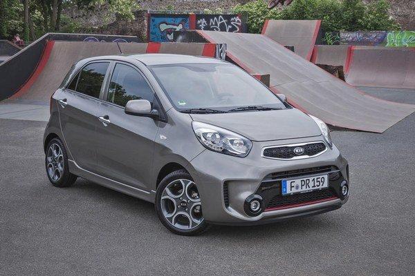 Modernizované Picanto verzie Sport. Picanto vo vyhotovení Sport sa vyznačuje markantnými nárazníkmi a dodáva sa len s výkonnejším 1,2-litrovým motorom.
