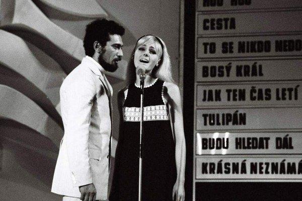 Bratislavská lýra. Aj Helena Vondráčková či Waldemar Matuška kedysi na nej hviezdili.