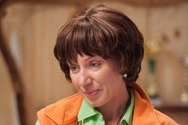 Gabika Dzúriková miluje stylingové premeny. Svoje vlasy rada ukryje pod parochňu.