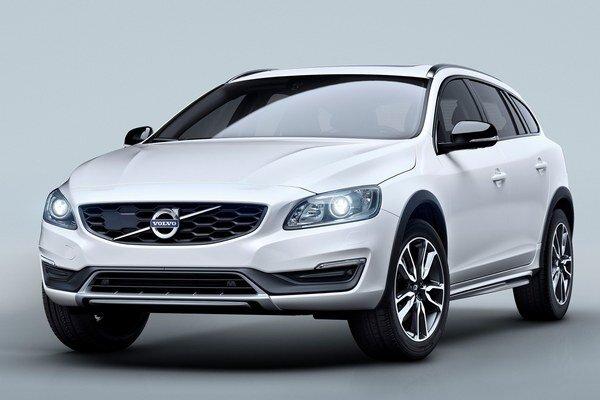 Nové Volvo V60 Cross Country. Cross Country verzia, odvodená od kombi V60 sportwagon, bude mať svetovú premiéru na medzinárodnom autosalóne v Los Angeles.