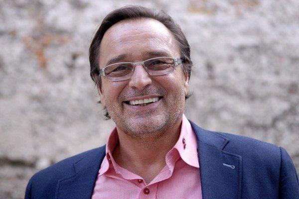 Jozef Vajda. Bude mať 60.