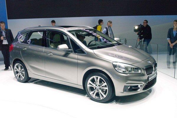 Nové BMW, Active Tourer radu 2. Je to prvý van firmy BMW i prvý bavorák s pohonom predných kolies.