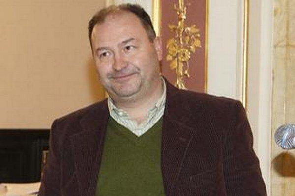 Dobrodinec. Michal David zaplatil pohreb manžela Věry Bílej.