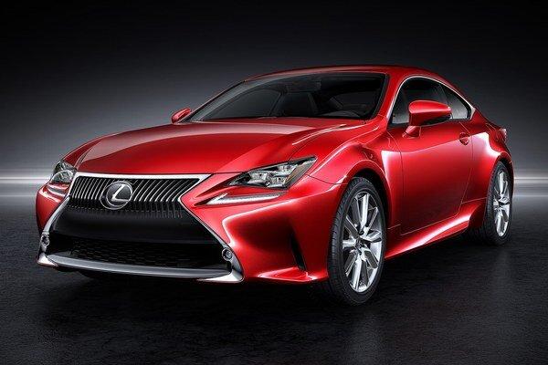 Kupé Lexus RC. Na pohon nového kupé Lexus bude slúžiť buď 3,5-litrový benzínový motor alebo hybridná hnacia sústava.