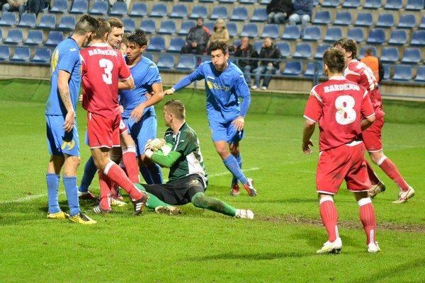 Východniarske derby prinieslo výborný futbal. Po zápase sa tešili Michalovčania, ktorí zdolali Bardejov 2:1.