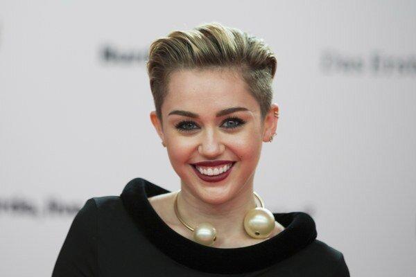 Rozčúlená. Miley Cyrus zmizlo veľa osobných vecí.