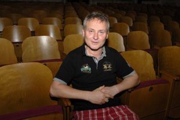 Herec Peter Batthyány.
