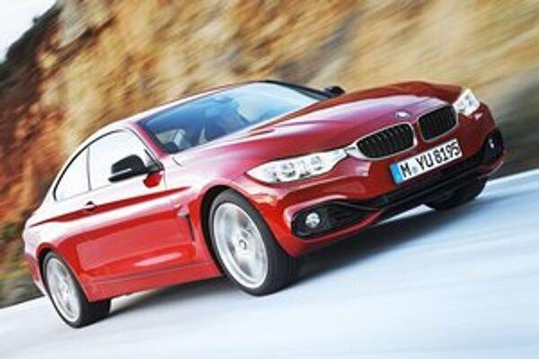 Nové kupé BMW radu 4. Kupé je technicky odvodené od limuzín radu 3, ale stalo sa samostatným radom.