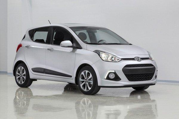 Kompaktný Hyundai i10. Nový model je dlhší a širší než doterajší, ktorý je na trhu už päť rokov.