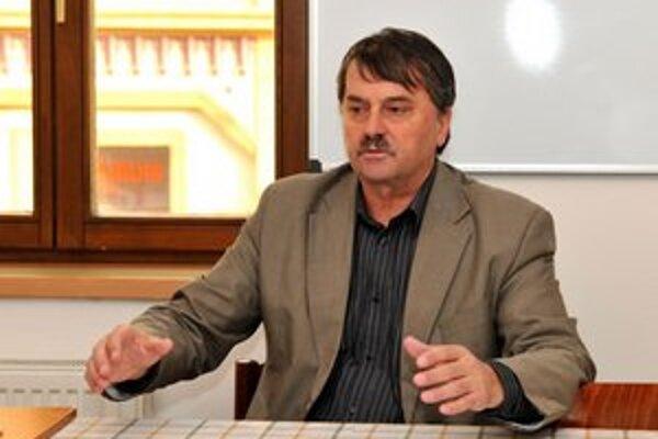 Jozef Križalkovič je za to, aby kluby ušetrili na výdavkoch.