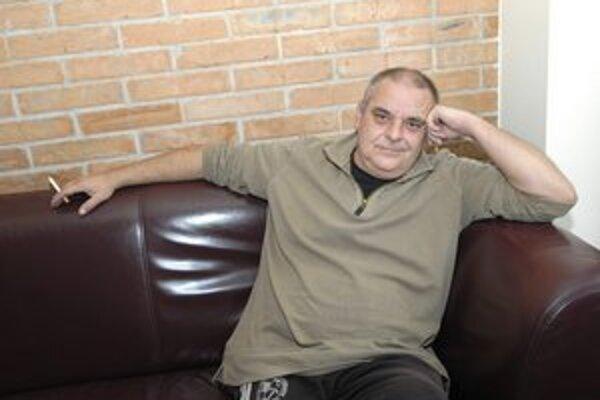 Zabezpečí potraviny a slávnostne prestrie. Pavol Topoľský však rozhodne nie je na nakupovanie darov.