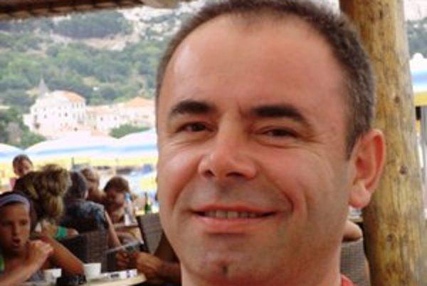 Redaktor Jozef Puchala.