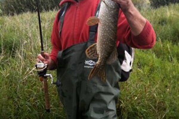 Tomu sa povie úlovok. Herec relaxuje aj na rybačke.FOTO: ARCHÍV R. ŠTÚRA