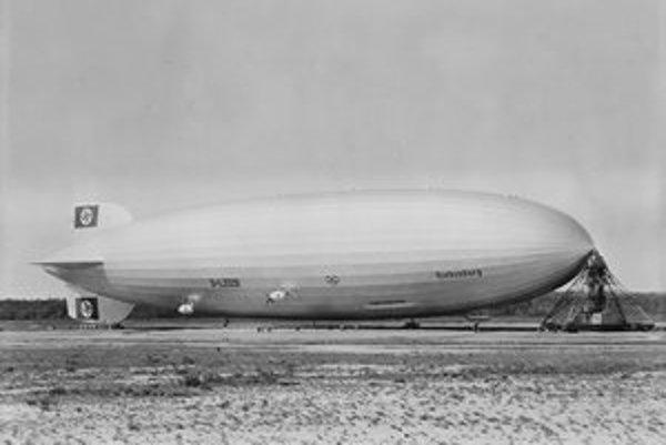 Vzducholoď Hindenburg bola spolu so sesterskou loďou LZ 130 najväčším lietajúcim strojom v histórii.