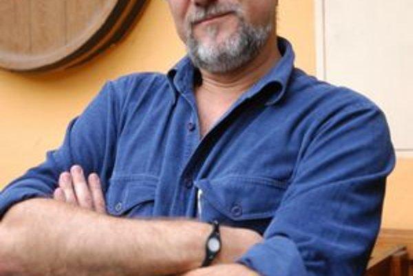 Spisovateľ Gustáv Murín. S jeho knihou sú spokojní aj mafiáni.