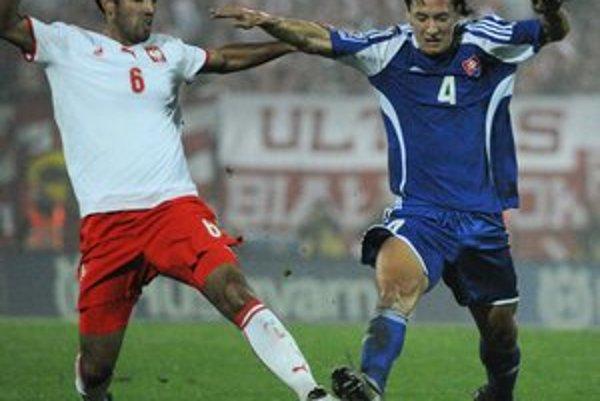 Marek Čech (vpravo). V Turecku je podľa neho iná futbalová mentalita.