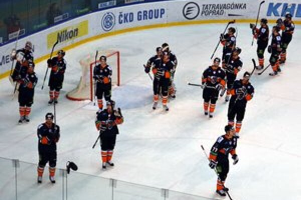Domáca rozlúčka. Hráči HC Lev Poprad sa lúčia s divákmi v Poprade.