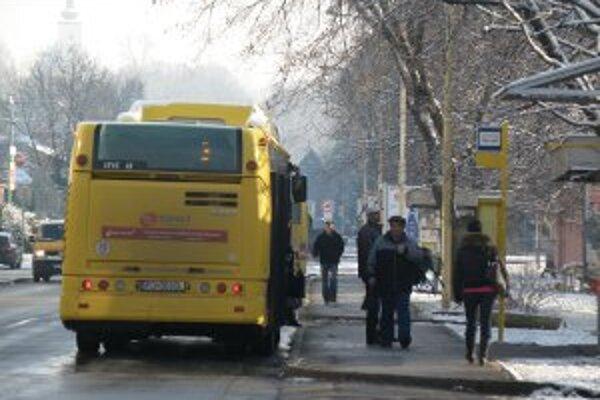 Mestská doprava bola v centre Prievidze využívaná viac.